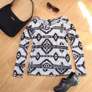 Rue 21 Grey & Black Sweater Stretchy